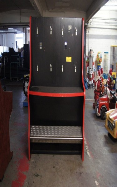 Automatenständer, doppel, schwarz mit roten Leisten und Beleuchtung