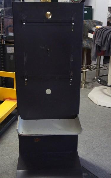 Automatenständer schwarz mit grauerAblage
