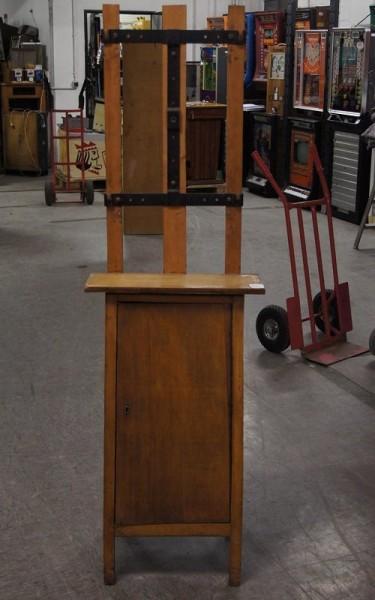 Automatenständer, Holz mit Unterschrank